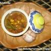 Poondu Kuzhambu [Garlic Gravy]